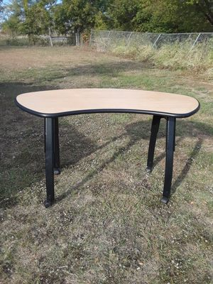 Desk ( 28 w x 53 L x 30 tall ) Asking 40 It has Adjustable legs with wheels . for Sale in Princeton, TX