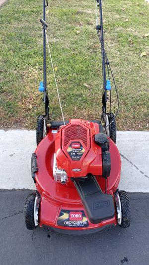 "Toro lawn mower 22"" Self-propelled, no bag for Sale in Bloomington, CA"