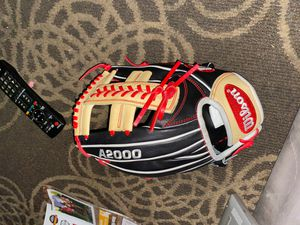 A2000 baseball glove for Sale in East Los Angeles, CA