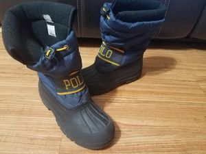 Snow boots for kids size 5 big kids for Sale in Arlington Heights, IL