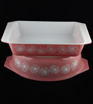 Vtg Pair Pyrex Pink Daisy Dishes 575 Space Saver 045 Casserole Dish 2.5 Quart for Sale in Elyria, OH