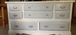 Dresser for Sale in Hudson, IL