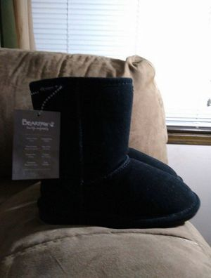 Little Girls Bearpaw Boots ( Brand New ) Size 13 - $ 50 for Sale in Kansas City, MO
