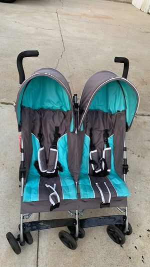 Double stroller (delta) for Sale in Los Angeles, CA