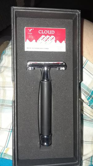New giftboxed men's old fashioned butterfly razor for Sale in Memphis, TN