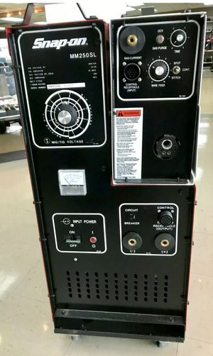 SNAP-ON MM250SL MIG WELDER NEVER PLUGGED IN for Sale in Lawrenceville, GA