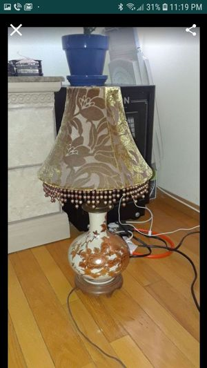 Antique lamp for Sale in Palmdale, CA
