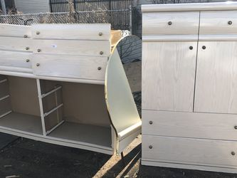Dresser With 6 Drawers And Armoire for Sale in Chicago,  IL