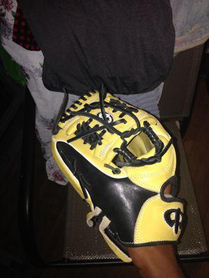 Baseball glove left handed 11 3/4 for Sale in San Lorenzo, CA