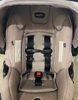 Evenflo car Seat With Stroller for Sale in Oxon Hill,  MD