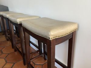 Linon home decor stool for Sale in Fort Lauderdale, FL