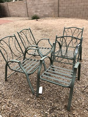 Patio furniture with cushions. for Sale in Glendale, AZ