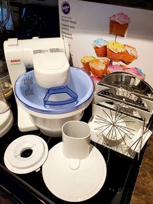 Kitchen Food Processor and Mixer excellent condition for Sale in Dallas, TX