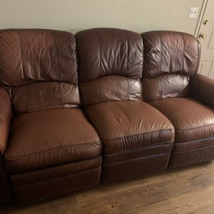 Leather Sofa for Sale in Orlando, FL