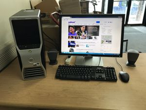 "Dell computer and 22"" monitor, windows 7, 4GB ram, 250GB hhd , Microsoft office, DVD-rom, works great, 30 day warranty for Sale in Chicago, IL"