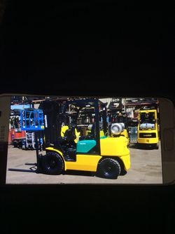 5000LB Forklift. With. Air. Tires for Sale in Oregon City,  OR