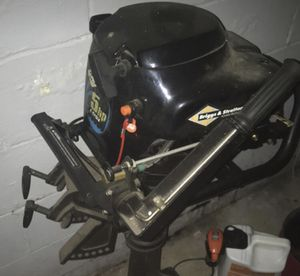 Briggs & Stratton 5HP 4cycle boat engine for Sale in Zanesville, OH