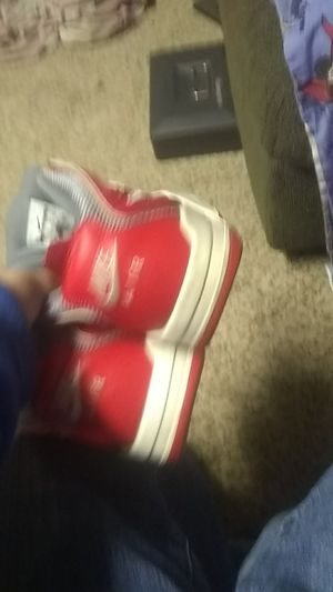 Nike air shoes for Sale in Gridley, IL