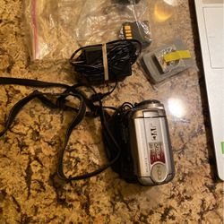 JVC 20 GB Hard Drive Camcorder Everio Charger, Batteries, Carrying Case and Instruction Booklets for Sale in Irvine,  CA