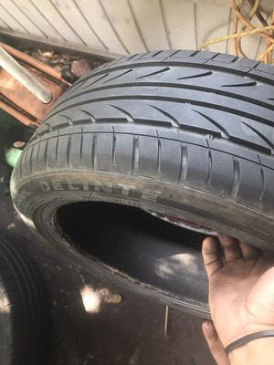 Delinte 225/45/19 tire for Sale in Lakeland, FL