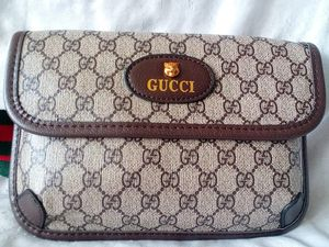 GUCCI WAIST CHEST CROSSBODY SHOULDER BAG for Sale in Houston, TX