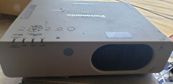 Panasonic Model PT-FW430U LCD Projector