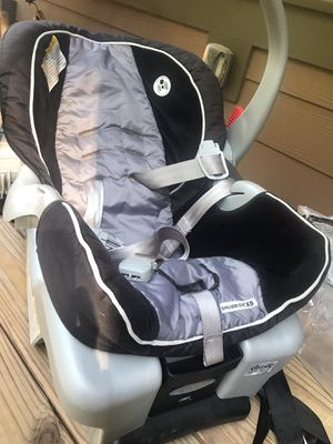Car seat for Sale in Duluth, GA