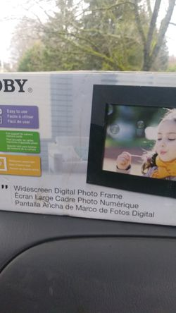 Digital photo frame for Sale in Everett,  WA