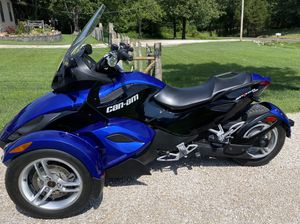Can-Am Spyder RS - super low miles / excellent condition for Sale in Barnhart, MO
