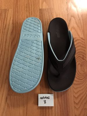 Adidas women's size 8 for Sale in Elmhurst, IL