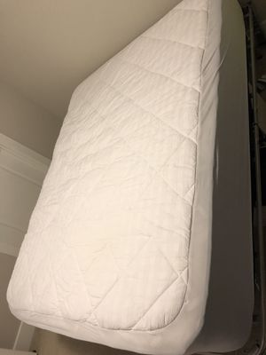 Queen size mattress and frame for Sale in Arlington, VA