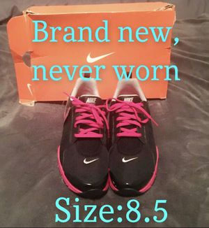 Women's Nike Shoes Size 8.5 for Sale in Corona, CA