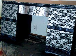 Must go today rose and glitter desk/vanity for Sale in N MARTINSVLLE, WV