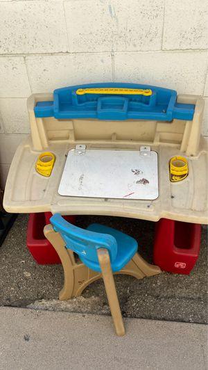 Kid desk for Sale in Santa Fe Springs, CA