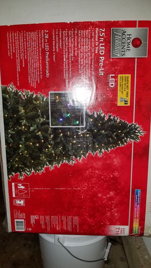 7.5 ft Harrison fir tree, color changing for Sale in Knoxville, TN