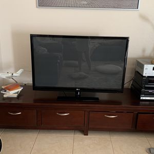 50 Inch LG TV for Sale in Chandler, AZ