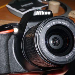 Nikon D3500 for Sale in Frostproof, FL