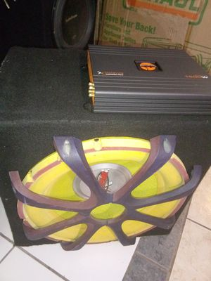 """1 15"""" sub 1600 Watts and amp1600 watts for Sale in Las Vegas, NV"""
