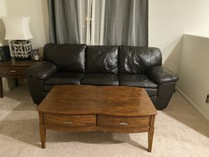 Coffee table+ End Table+ Lamp $150 for Sale in Roseville, CA