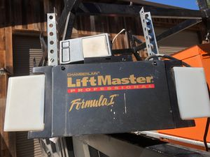 Liftmaster garage door opener for Sale in San Jose, CA