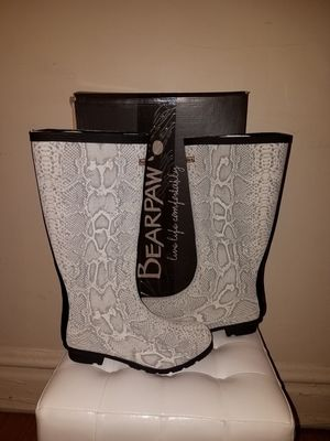 Bearpaw Rain Boots for Sale in Chicago, IL