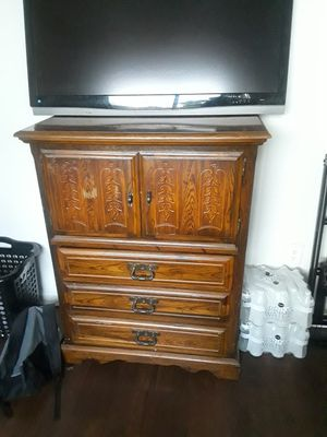 Tall dresser for Sale in West Palm Beach, FL