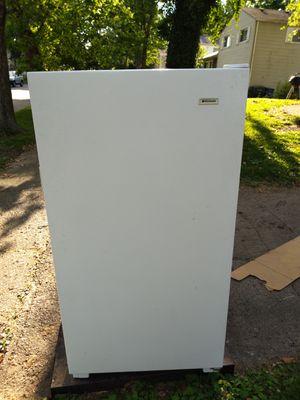 Frigidaire upright freezer for Sale in UPPER ARLNGTN, OH