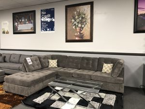 Gray Sofa Sectional w/ High Density Seating Foam for Sale in Fresno, CA