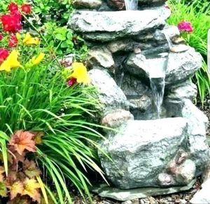FOUNTAIN 3 FEET TALL 4 FEET LONG for Sale in Norwalk, CA