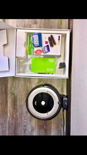Robot Roomba 690 for Sale in Wichita, KS