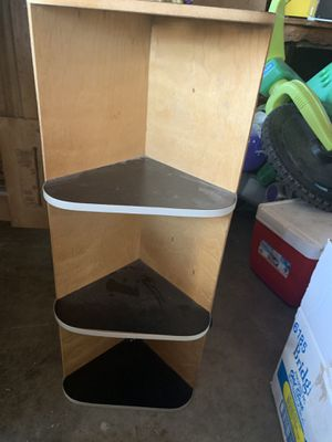 Small corner shelf for Sale in Hemet, CA