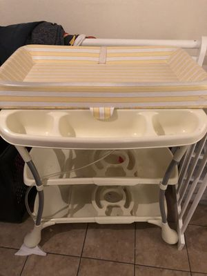Baby Luxury bath tub for Sale in Largo, FL