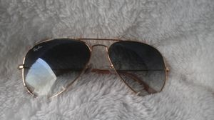 RAY BAN GOLD AVIATOR SUNGLASSES for Sale in Colorado Springs, CO