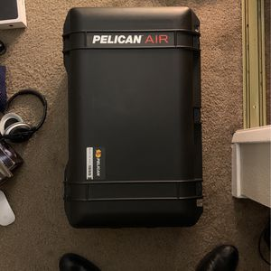 Pelican Air 1555 Perfect Conditions With Foam for Sale in Los Angeles, CA